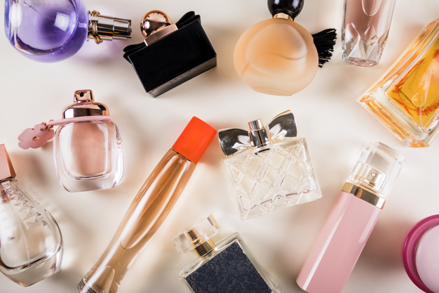TIPS ON HOW TO APPLY PERFUME ON CLOTHES